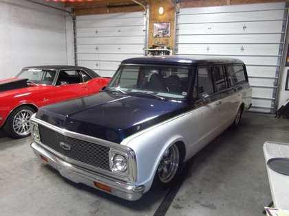 1972 Chevy SURBURBAN