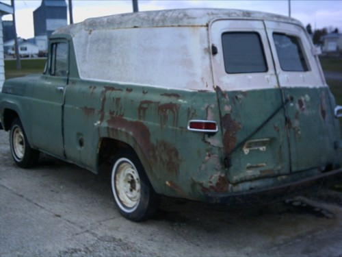 X on Old Dodge Dakota