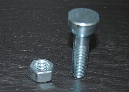 58 – 66 Chevy / GMC Truck Fleetside Tailgate Chain Pivot Bolt & Nut