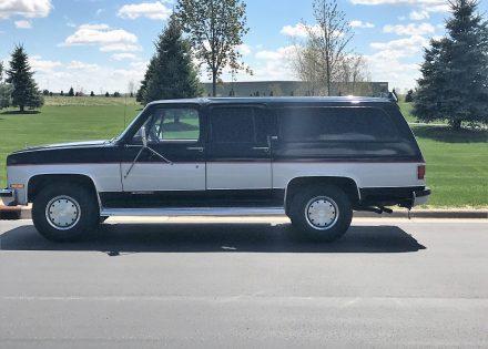 1989 Chevy Suburban 2500