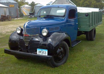 1940 Dodge VF 32